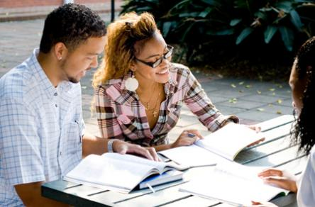 Bourses d'étude pour étudiants